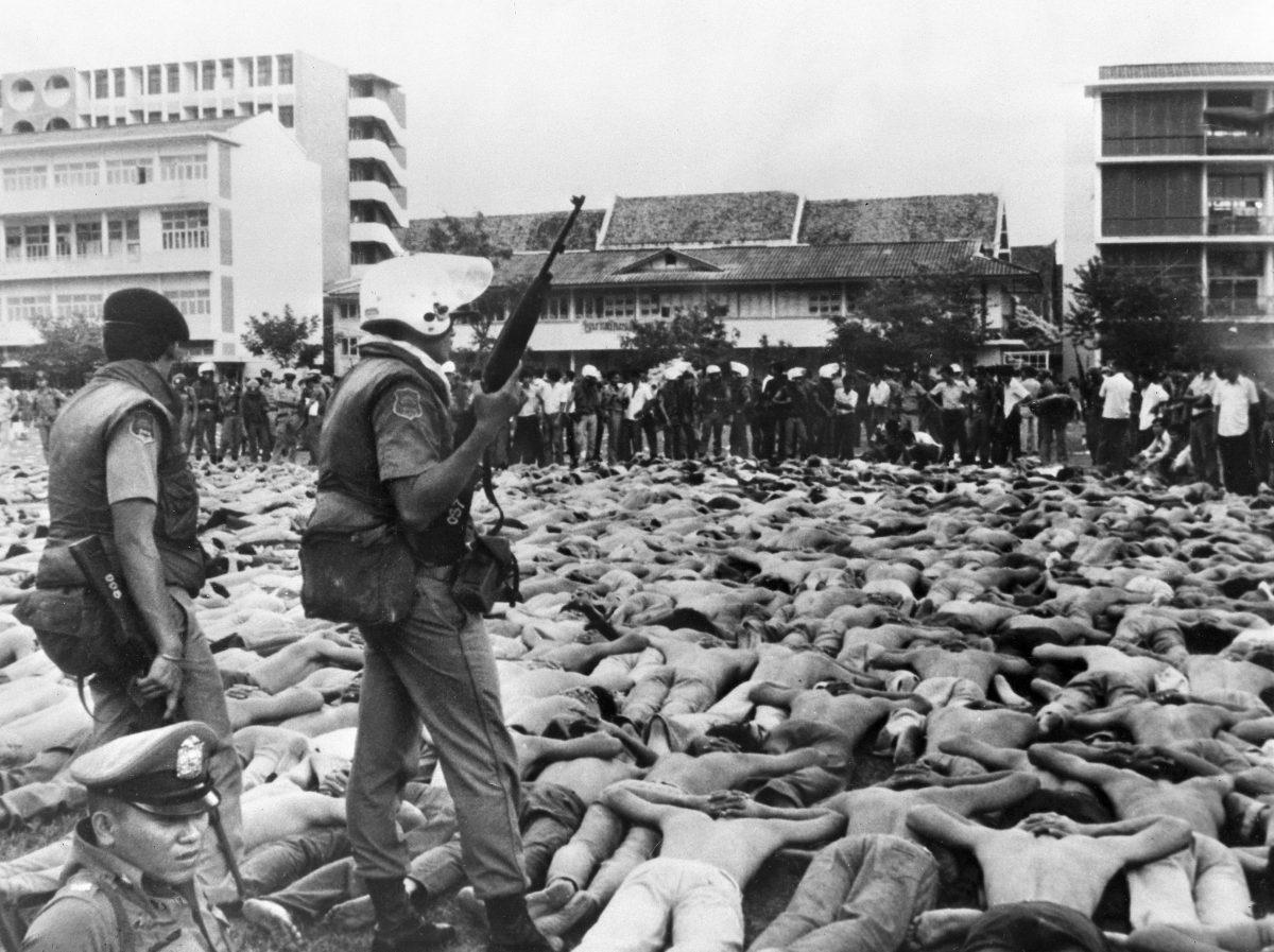 ย้อนรอยเหตุการณ์ 6 ตุลาฯ วันเปื้อนเลือดที่คนไทยทุกคนไม่มีวันลืม